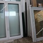 Deposito finestre in pvc pronte per la consegna