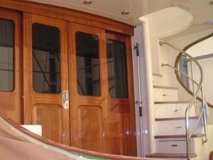 Scala nautica in acciaio inox montata su yacht