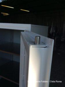 Armadio blindato dettaglio anta di sicurezza con barra in ferro pieno