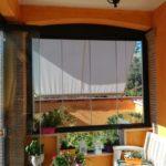 Vetrata panoramica scorrevole con porta a vetro aperta conp